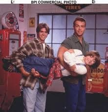 Awwww, Brotherly Love (left) Matthew Lawrence (center) Andrew Lawrence (right) Joey Lawrence I miss this show 90s Tv Shows, Childhood Tv Shows, 90s Childhood, Kids Shows, Childhood Memories, Matthew Lawrence, Joey Lawrence, Lawrence Photos, Love The 90s