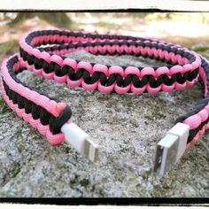 iPhone 5 Paracord Wrapped Charger (black/pink)
