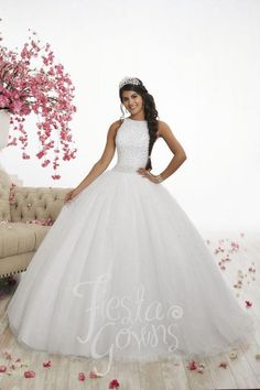 Tulle Balls, Tulle Ball Gown, Ball Gown Dresses, 15 Dresses, Gown Skirt, Fashion Dresses, White Quinceanera Dresses, Wedding Dresses, Quinceanera Ideas