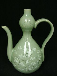 KOREAN CELADON TEA POT CRANE MOTIF  omg I have one like this, there's a hairline crack on mine though :/
