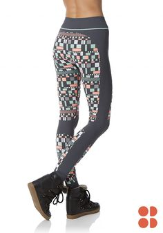 High-waisted ski leggings are this season's statement piece from Sweaty Betty! The geometric, pastel print is great for all your winter sport adventures. Click to build the perfect outfit with all your favorite matching fitness accessories.