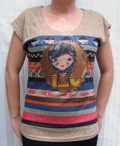 EN LAS NUBES: Camiseta étnica ilustrada