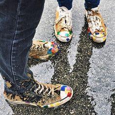 Festival feet. #chucktaylor : @hugeback