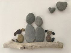 - Wall Art Ideas - Pebble art, couple with two dogs, framed art, wall art, love Pebble art couple with two dogs framed . Art Diy, Diy Wall Art, Framed Wall Art, Stone Crafts, Rock Crafts, Pebble Pictures, Art Pictures, Art Mural Amour, Caillou Roche