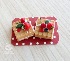 Miniature waffles with berries set 2 pieces от SweetMiniDollHouse