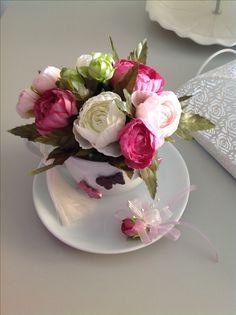 Fincanda çiçekler