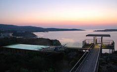 """Kreta, Region Chania: Villa mit Garten, atemberaubendem Pool und Terrasse mit Meerblick. Entdecke mehr unter """"Feriendomizile, für die dich deine Kinder lieben werden"""" auf www.berlinfreckles.de"""
