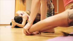 A shoot from the stunning video of Alessandro Sigismondi. Leggins Reyoga #relegsvenice  #yoga #ashtangayoga #modena #italy #dayoga.it #vaniapassini