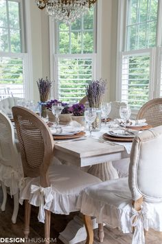 If you enjoy the ease of summer, try using pretty table linens, chair covers, and these 6 simple steps to create a lovely summer table settin French Country Bedrooms, French Country Decorating, Home Nyc, Chair Covers, Table Linens, Table Settings, Interior Design, House Styles, Tablerunners