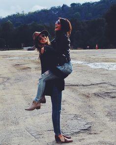 Lifestyle Blogger | Best Friends | Best Friend Bloggers | Photography | Cute Friend Photos