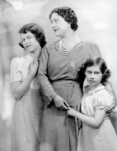 Princess Elizabeth (Queen Elizabeth II), Queen Elizabeth The Queen Mother, and Princess Margaret. English Royal Family, British Royal Families, Queen Elizabeth 1, Duchess Of York, Duchess Kate, Her Majesty The Queen, Queen Of England, Queen Mother, British Monarchy