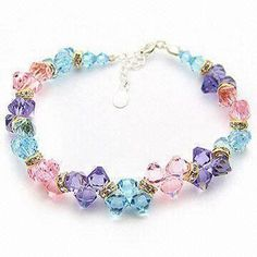 Fashionable Bracelet, Suitable for Gift and Promotional Purposes, Decorated with Glass Beads