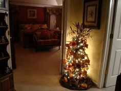 Looks closely - its a Halloween tree----BEAUTIFUL!!!!!!!!!!!!