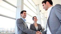 Beim Chef nach einer Gehaltserhöhung zu fragen, gehört zu den schwersten Aufgaben. Warum es besser ist, mit krummen Beträgen in die Verhandlung einzusteigen. Quelle: Gehaltsverhandlung: So bekommen…
