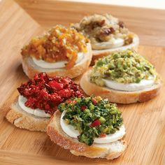 Goat+Cheese+&+Tapenade+Crostini+(Spinach+&+Olive)+-+The+Pampered+Chef®