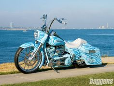 Google Image Result for http://image.baggersmag.com/f/features/1101_hrbp_2004_harley_davidson_road_king/29230157%2Bw620/1101_hrbp_30_z%2B2004_harley_davidson_road_king%2Bside_view.jpg