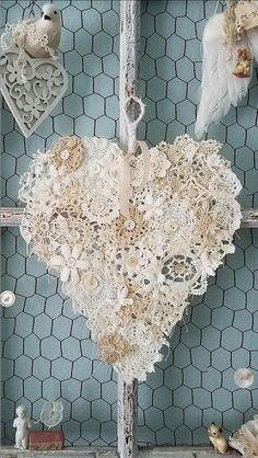 Crochet heart doily shabby chic 28 New Ideas Doilies Crafts, Lace Doilies, Crochet Doilies, Crochet Squares, Shabby Chic Hearts, Shabby Chic Decor, Vintage Shabby Chic, Lace Heart, Heart Art