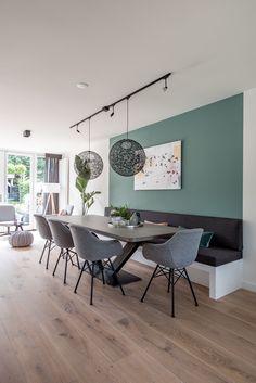Green Dining Room, Living Room Kitchen, Living Room Decor, Estilo Interior, Room Interior, Interior Design, Interior Styling, Dining Nook, Dining Room Design