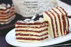 Sheet cake and chocolate cream Romanian Desserts, Romanian Food, Romanian Recipes, Chocolate Cream, Sin Gluten, Vanilla Cake, Caramel, Cake Recipes, Sweet Treats