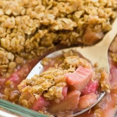 Rhubarb Crisp recipe is loaded with brown sugar streusel, and bakes up with a crispy, crunchy oatmeal topping! It is sweet and tart and just begs for a big scoop of vanilla ice cream Rhubarb Desserts, Rhubarb Recipes, Fun Desserts, Delicious Desserts, Rhubarb Crisp Recipe, Rhubarb Ideas, Yummy Recipes, Recipies, Rhubarb Crumble