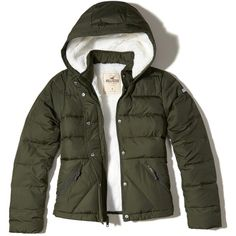 Hollister Sherpa-Lined Puffer Jacket (195 BRL) ❤ liked on Polyvore featuring outerwear, jackets, olive, puff jacket, green military jackets, cold weather jackets, olive green puffer jacket and logo jackets