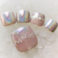 Cute Toe Nails, Toe Nail Art, Pretty Nails, Cute Pedicures, Pedicure Nails, Pedicure Designs, Toe Nail Designs, Chrome Nails Designs, Feet Nails