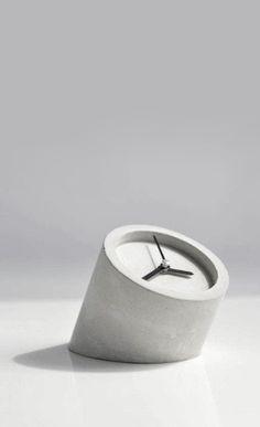 HOBBY DESIGN | cement clock