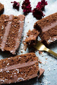 Barnevennlig sjokoladekake i brødform - Ida Gran Jansen Let Them Eat Cake, Food And Drink, Sweets, Chocolate Cakes, Baking, Norway, Desserts, Recipes, Snacks