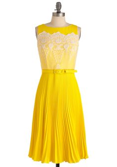 Seriously perfect dress for the wedding.... Too bad nobody looks good in yellow. And that it's $400..... But otherwise, perfect.