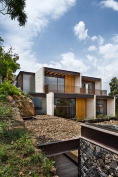 Tucán House / Taller Héctor Barroso