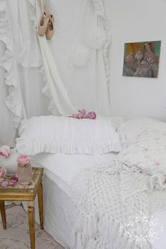 Revisting....$99 Spare Room......Romantic Shabby Chic Style