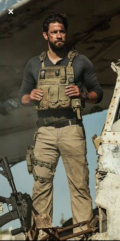 Fuck me how hot is this man! Airsoft, Military First, Military Men, Special Ops, Special Forces, John Krasinski 13 Hours, John Krasinki, My Sun And Stars, Men In Uniform