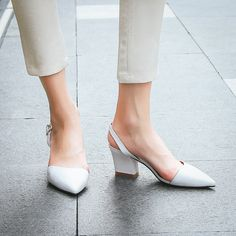 #chiko #chikoshoes #shoes #fashion #fashionable #style #lookbook #fall #winter #autumn #new #best #streetstyle #chic #trend #streetfashion #mules #slipon #slingback #slides #loafers #grungy #2018 #edgy #spring #summer #cool #white #asymmetric