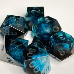 Dungeons And Dragons Dice, Dungeons And Dragons Homebrew, Paranormal, Dragon Dies, Dado, Vinyl Toys, Dnd Characters, Diy Crafts Videos, Character Concept