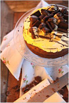 Schokoladen-Torte mit Vanillecreme