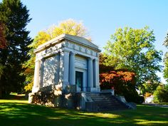 On October 11, 2015, New York Adventure Club visited Woodlawn Cemetery for a tour of its most notable gravestones and sculptures, including an exclusive NYAC-only peek inside the Gilded Age Harkness & Harbeck mausoleums!