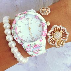 Oh my goodness I want this floral watch!!! The bracelet is beautiful!