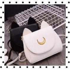 - KawaiiBoutique- Sac à main Sailor Moon Disponible en noir et blanc