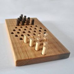 Board Games For Two, Wooden Board Games, Wood Games, Wooden Pegs, Wooden Diy, Wooden Gifts, Woodworking For Kids, Woodworking Crafts, Wood Shop Projects