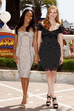 not a fan of the pattern on Jada Pinkett Smith's figure-elongating dress, however this picture shows what I believe to be true: a high, short waist and full skirt that falls above the knee (very popular in department stores these days) is not flattering on much of anyone, not even on a tall, thin figure like Jessica Chastain's.