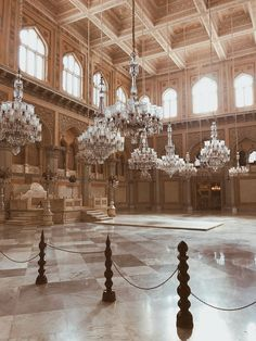 A lousy Saturday evening turned into an interesting one the moment I decided to pay a visit to Chowmahalla Palace. Having a little idea about the location of the palace it was a good idea to take cab. The palace is located at the southeast of the Laad Bazar, which is one of the most …