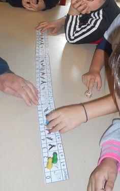 French Classroom, Math Activities, Montessori, School, Names, School Games, Period