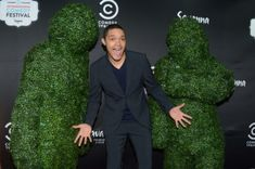 Trevor Noah continues to make South Africans proud. Getting to host the US Daily Show is tricky enough, but Trevor is helping deliver Emmy quality content. Trevor Noah Quotes, Kids Choice Award, Choice Awards, T Baby, The Daily Show, White People, Have A Laugh, Dimples, Master Class