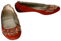 Get the must-have flats of this season! These Adrienne Vittadini Orange Jeweled Flats Size US 8 Regular (M, B) are a top 10 member favorite on Tradesy. Red Wedding Shoes, Orange Flats, Adrienne Vittadini, Authenticity, Confident, Zero, Luxury Fashion, Shape, Technology