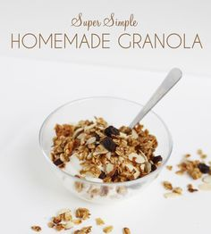 Super simple granola.  Mess-free, adaptable, vegan, gluten-free.  A great recipe to try with kids! Vegan Breakfast Recipes, Raw Food Recipes, Brunch Recipes, Gluten Free Recipes, Snack Recipes, Healthy Recipes, Breakfast Ideas, Healthy Foods To Eat, Healthy Cooking