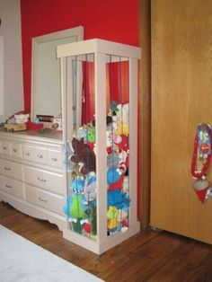 A great solution to our stuffed animal avalanche.