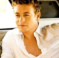 a young Simon Baker from the Mentalist