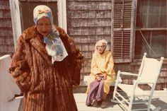 Grey Gardens. Not not not not that bullshit Drew Barrymore one. The original. Amazing. Love the Maysles brothers.