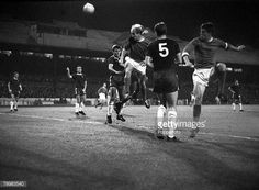 David Herd and Bobby Charlton in action against Chelsea in 1964 Chelsea Football, Sport Football, Bobby Charlton, Manchester United Players, Premier League Champions, Live Matches, Football Pictures, Old Trafford, Europa League