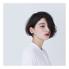 CYAN's choice hair 114 媚びないフェミニンさを纏った やわらかなウェーブ感 salon:mod's hair privilege stylist:Tsutomu Kinoshita #CYAN #CYANMAGAZINE #CAELUM #HAIR #SHORTHAIR #モッズヘア #シアン #ショートヘア